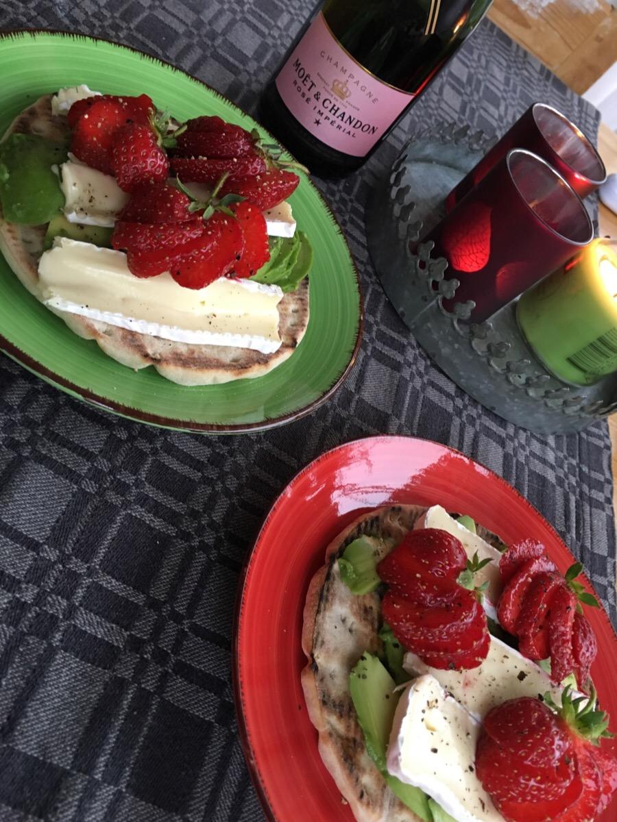 Jordgubbssmörgås som tilltugg