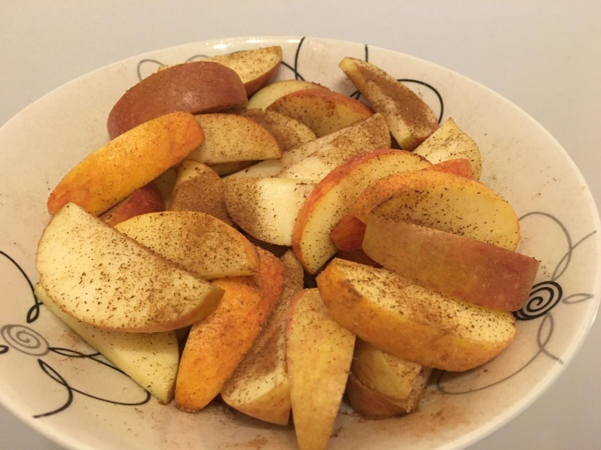 Ugnspannkaka med äpplen