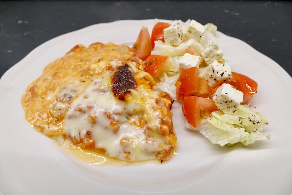 Vegetarisk lasagne med halloumi och röda linser