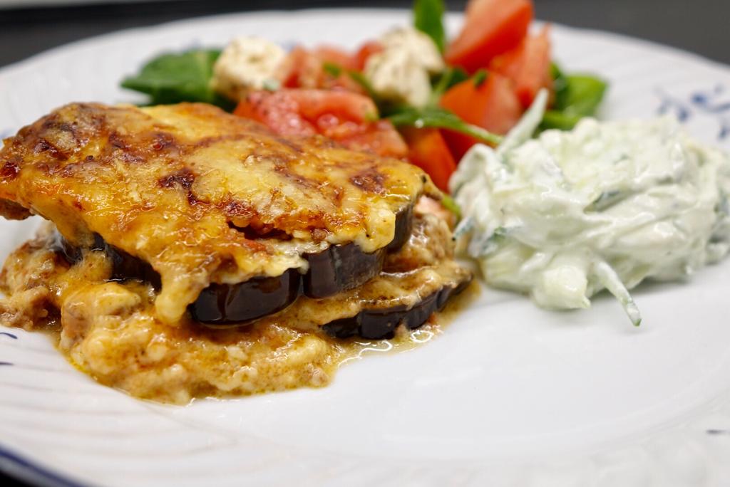 Grekisk middag med moussaka