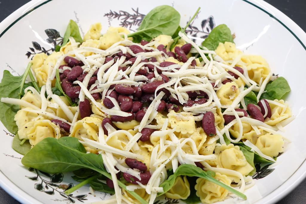 Färsk pasta med spenat och bönor