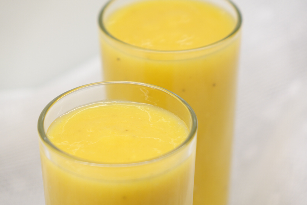 En solgul smoothie på Sveriges nationaldag