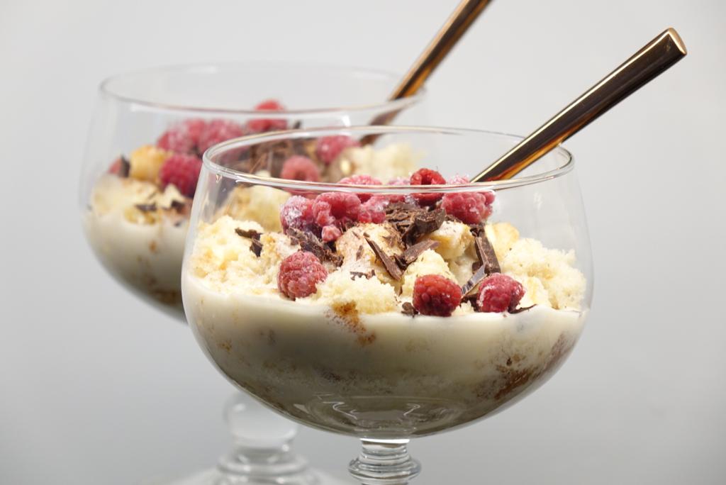 Trifle med mascarponekräm och hallon
