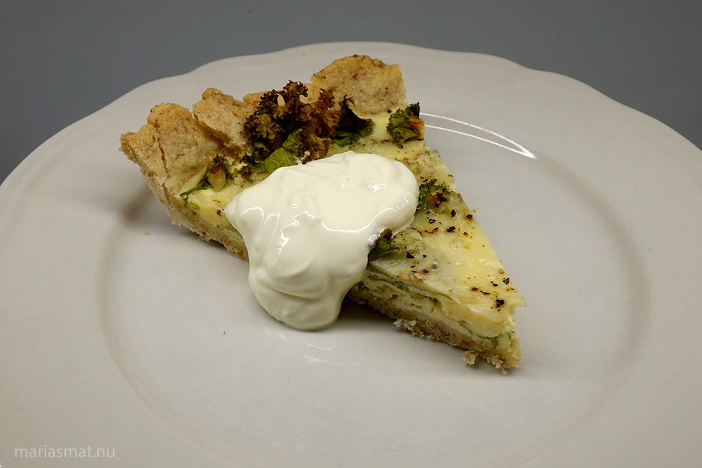Restfest, ostpaj med grönkål