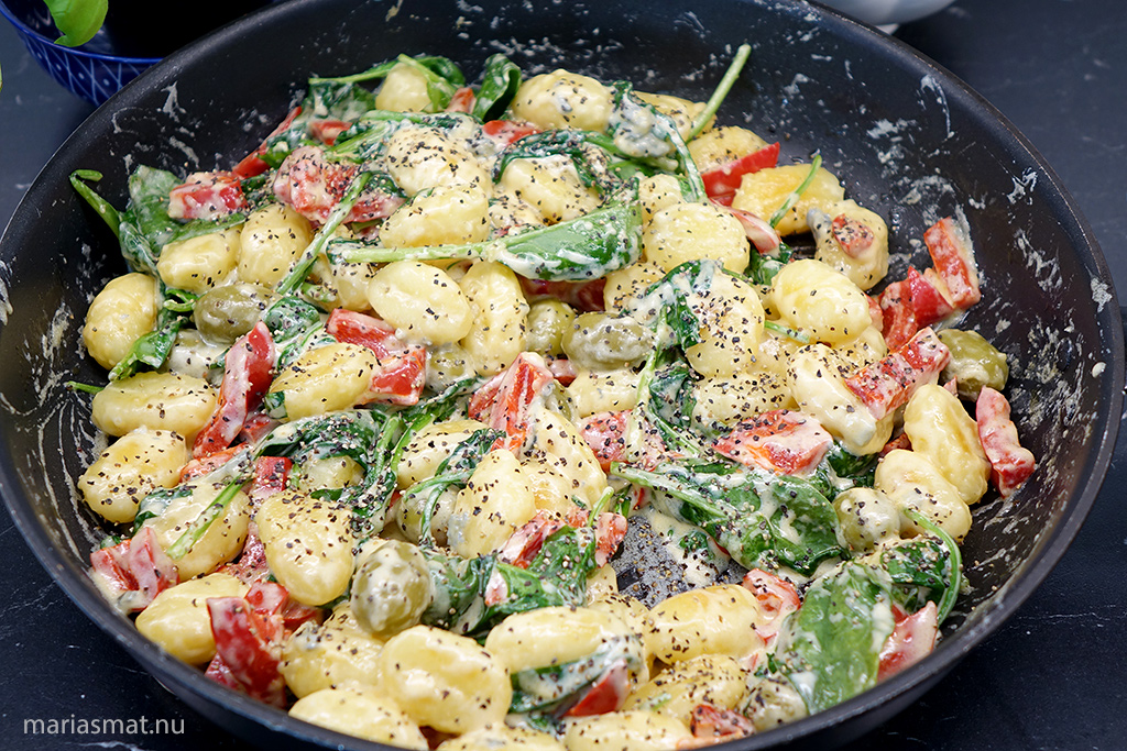 Gnocchi med oliver och ädelost