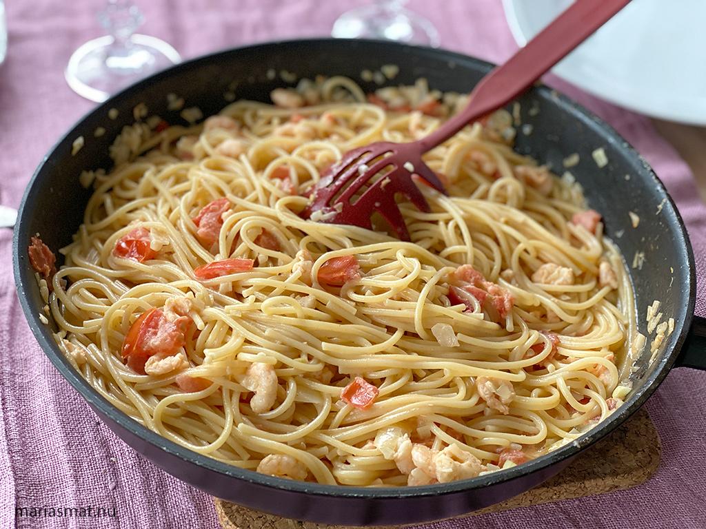 Räkpasta med tomater